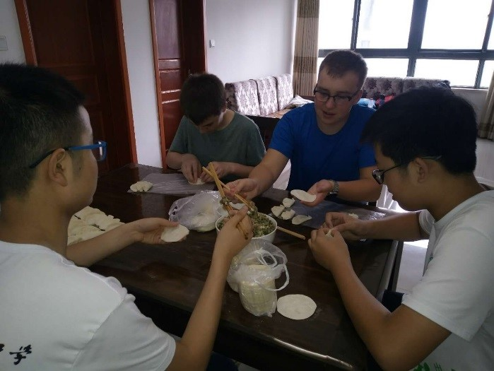a day with a chinese family 1.jpg